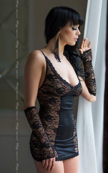Кружевная сорочка Evie на шнуровке сзади