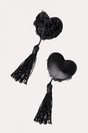 Нежные пэстис в форме сердец с розами и кисточками